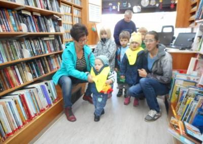 Obisk potujoče knjižnice / Bibliobusz látogatása