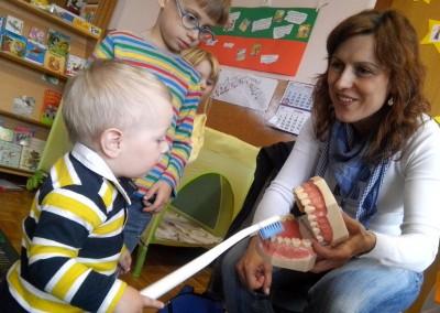 Pravilno ščetkanje zob/Helyes fogmosás